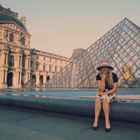 Trust me, getting up early to take some photos at the Louvre is 110% worth it.