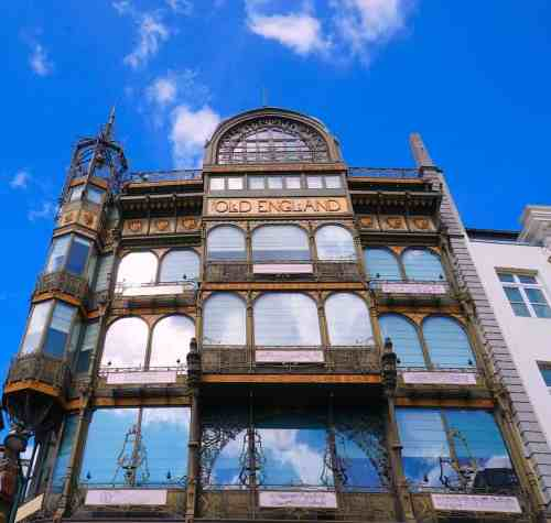 The beautiful art nouveau style of the Old English building.