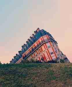 Behold, the optical illusion that is the sinking house of Montmartre.
