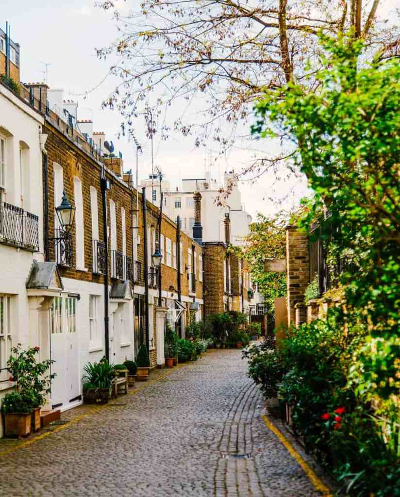 Kynance Mews is one of my favorite mews in all of London.