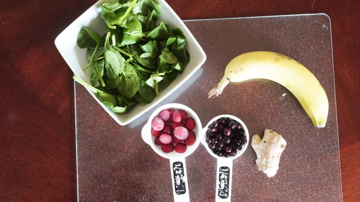 Cranberry and Blueberry Smoothie Ingredients