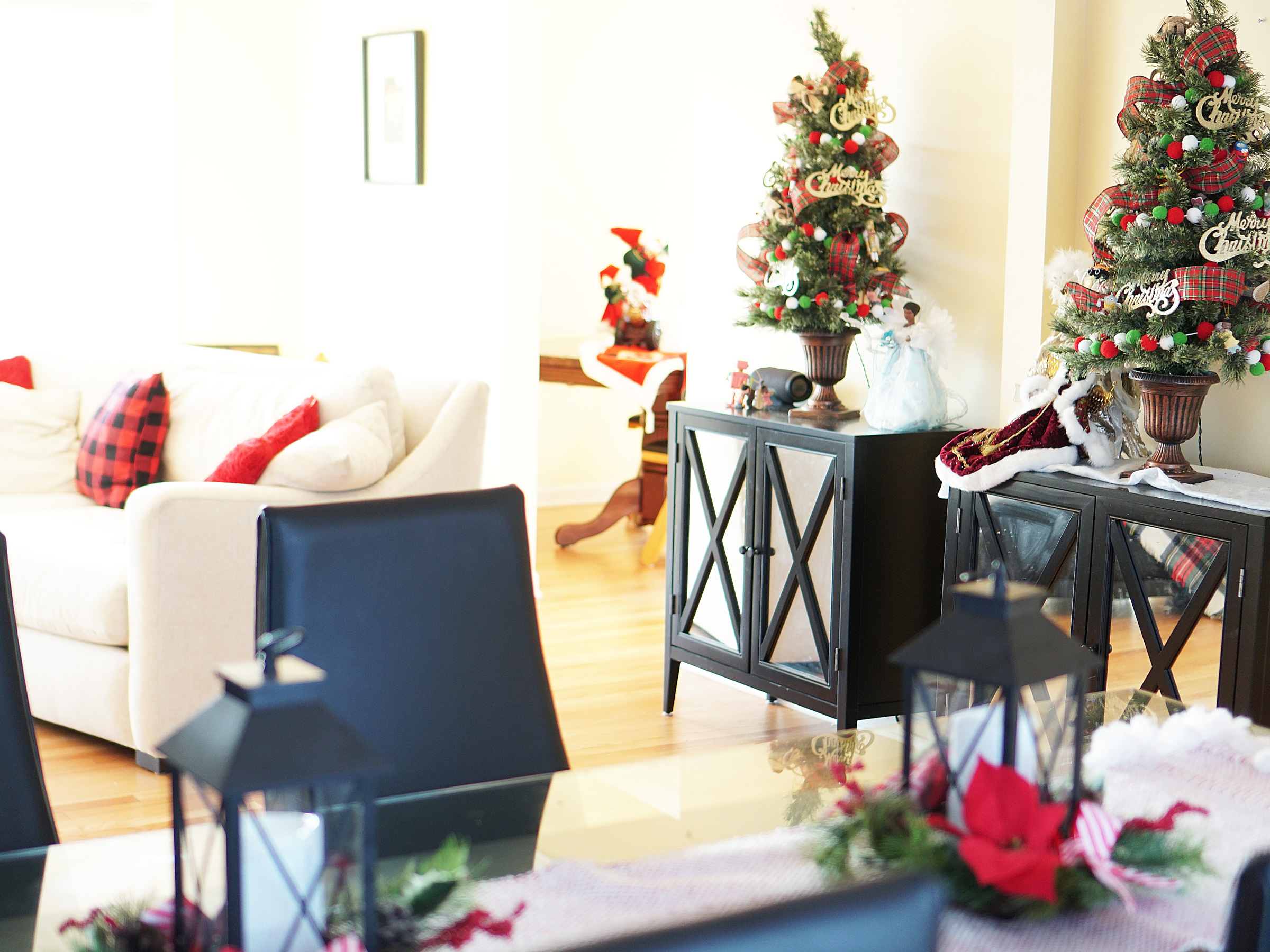 Christmas Dining and Family Room