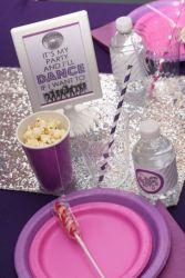 Nashville-Birthday-Party-Diva-Dance-Birthday-Party-Table-Setting