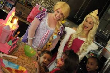 Princess-Rapunzel-and-Aurora-Character-Visit