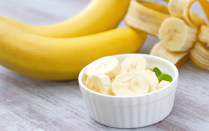 Banana And Egg White Face Pack
