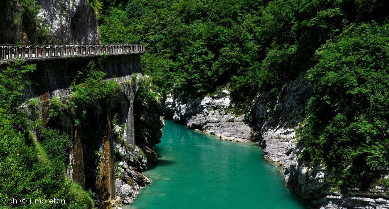Riapre dal 30 maggio la vecchia Strada della Valcellina: Trenino e Ponte Tibetano