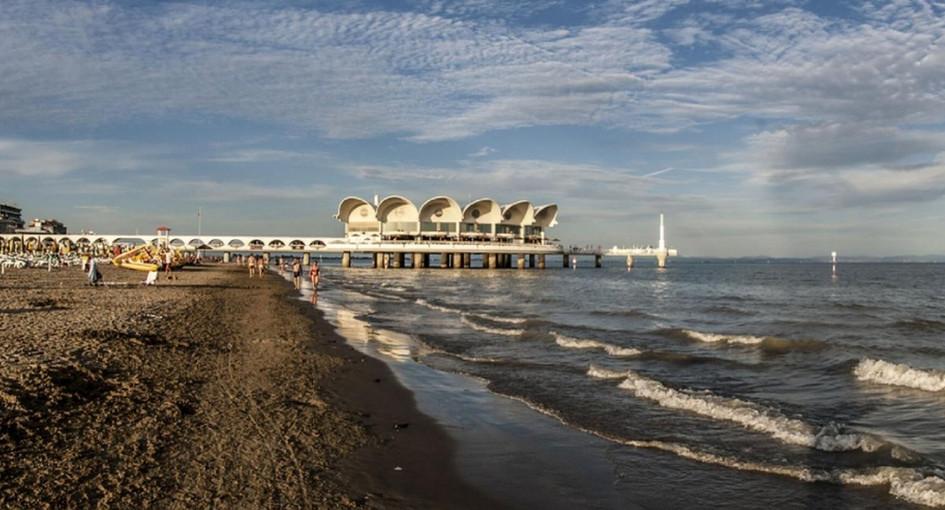 Tutte le spiagge del Friuli Venezia Giulia sul cellulare: quest'estate l'ombrellone si prenota con l'App