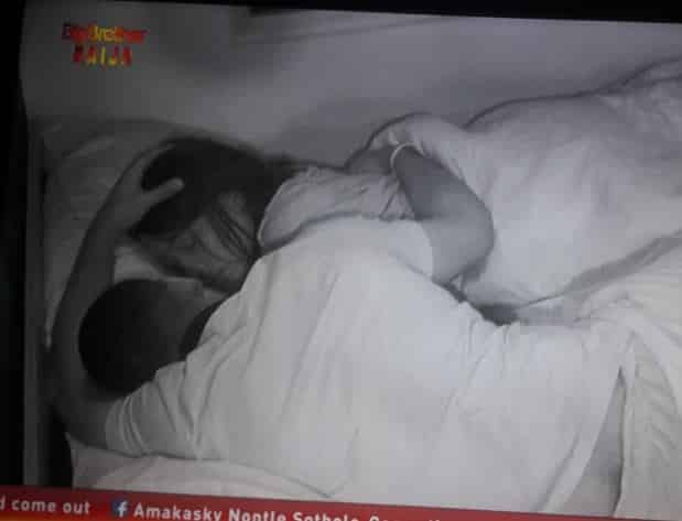 BBNaija: Frodd dumps Venita to spend the night on Esther's bed (video)