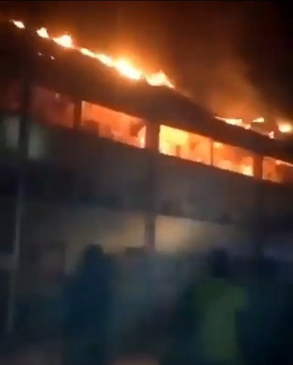 DELSU post graduate hostel on fire (Video)