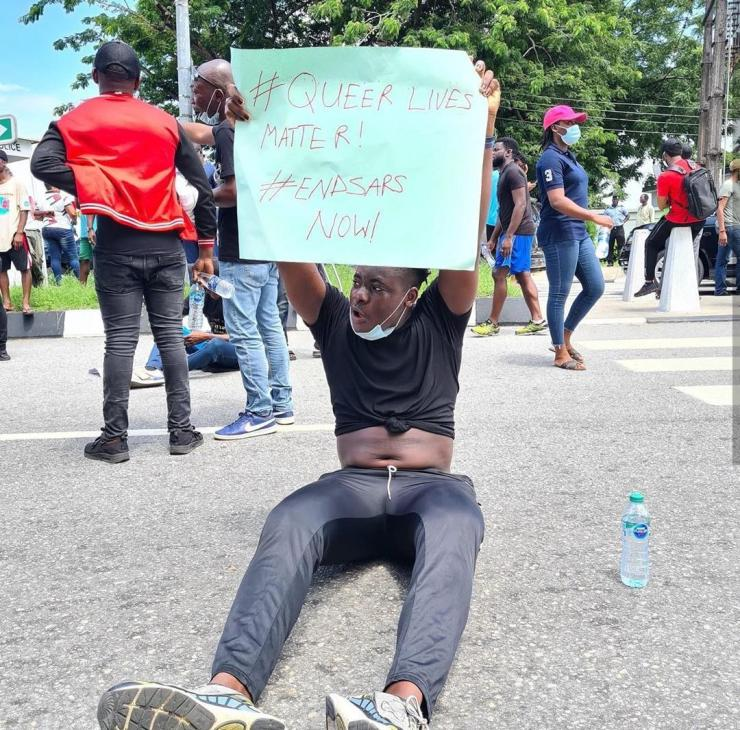 Amid #EndSars Protest, Nigerian man storms the street to protest for the rights of Gays and lesbians (Video)