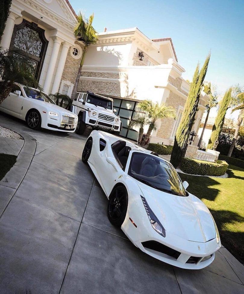 luxury lifestyle, fake it to make it