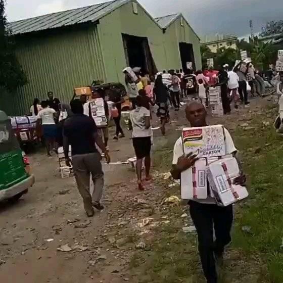 ekiti citizens looting covid-19 palliative