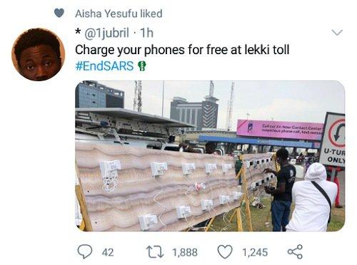 #EndSARS protesters setup FREE massive phone-charging spots at Lekki toll (Photos)