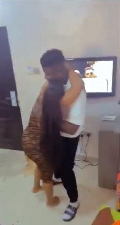 Lady goes gaga after being gifted 'bone straight wig' (Video)