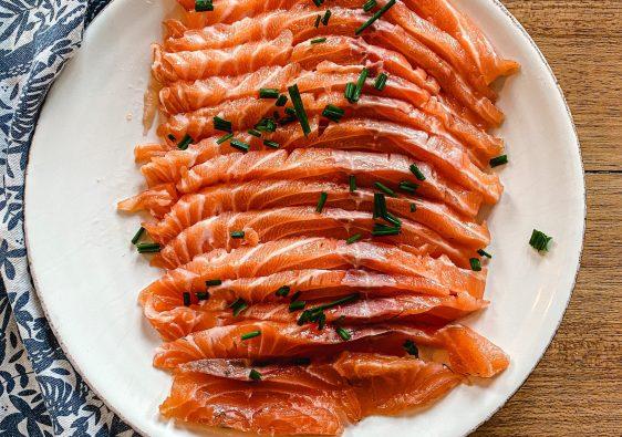 Traditional salmon gravlax