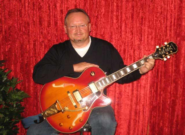 Muenster-Gitarrenunterricht-Muenster-Gitarrenschule-Muenster-Gitarrist-Gitarrenlehrer