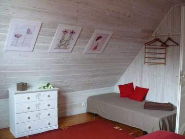 Chambre lit double + un lit d'appoint