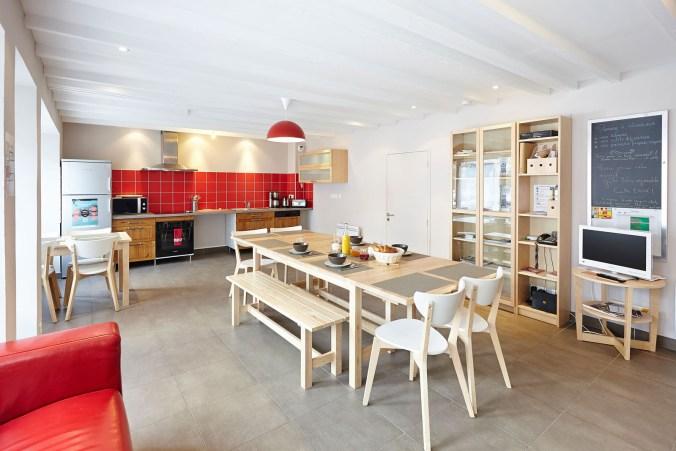 pièce de vie commune salon cuisine