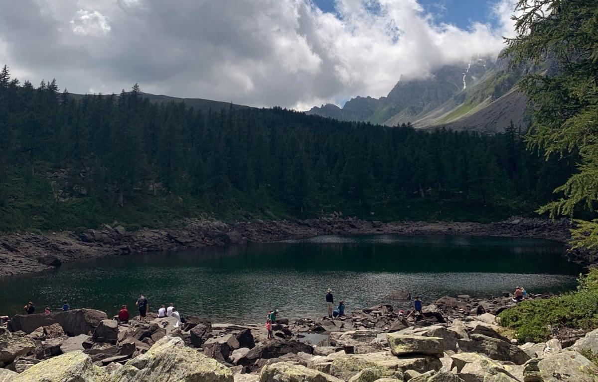 panorama sul lago nero di devero