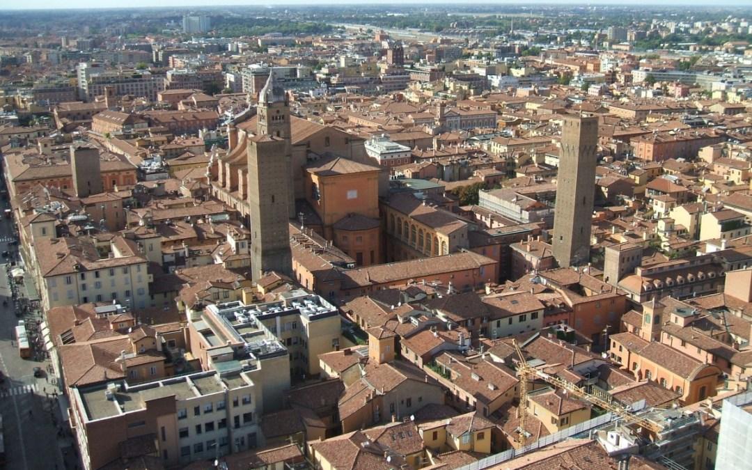 A Bologna le torri… camminano!