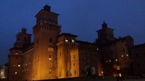 Castello Estense notturno