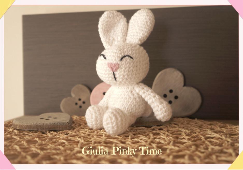 coniglietto bianco amigurumi