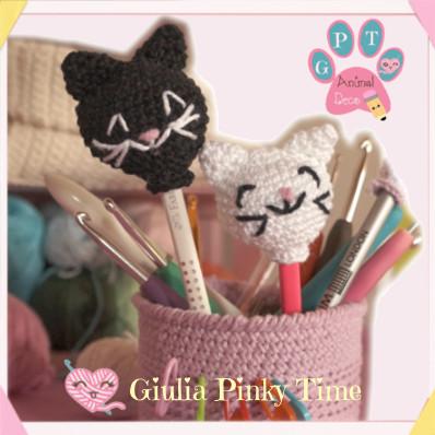 amigurumi cat head pen decoration