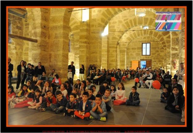 il folto pubblico nella navata centrale della Real cantina Borbonica