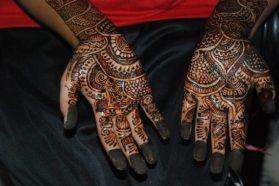 Mehndi - Henna-Handbemalung