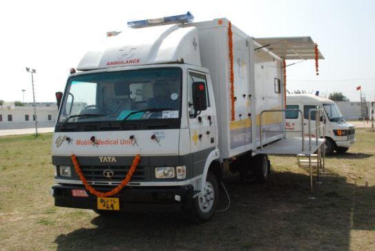 Die Mobile Klinik, geschmückt am Tag der Einweihung