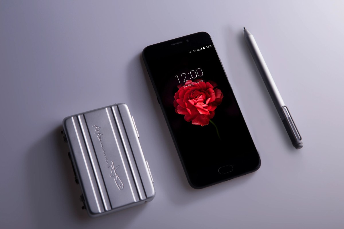 Watch: UMi Plus E Onyx Black official video unboxing