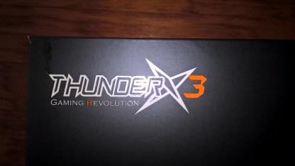 La marca ThunderX3 destaca en la esquina superior izquierda