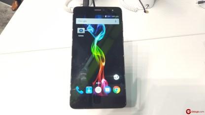 Gizlogic-smartphones Archos-MWC17 (8)