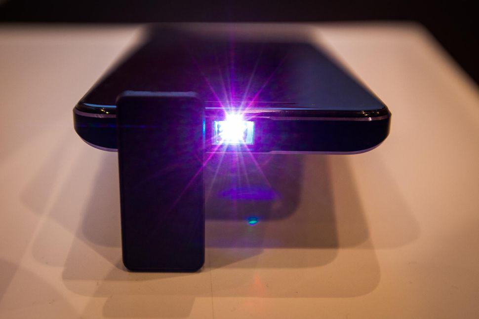 MoviPhone, un smartphone de película.