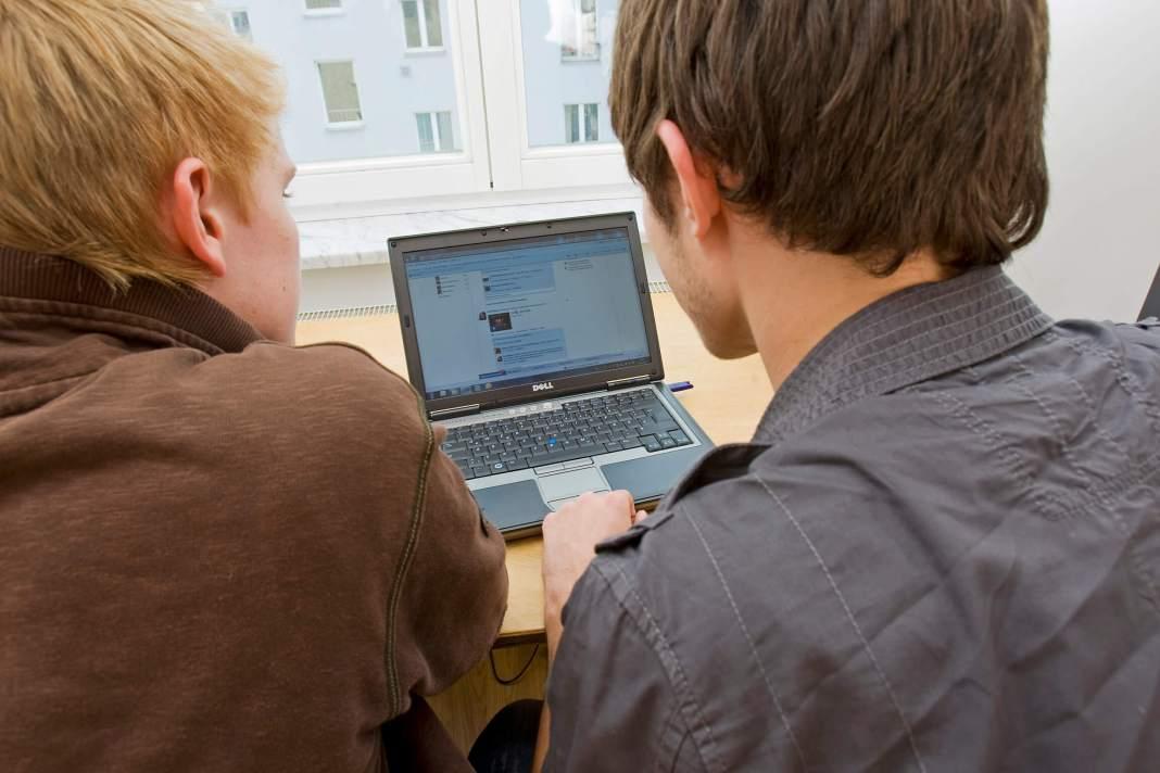 ser popular en redes sociales