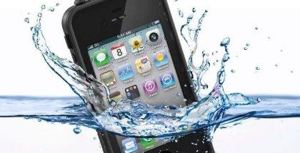 Hombre muere cargando iPhone