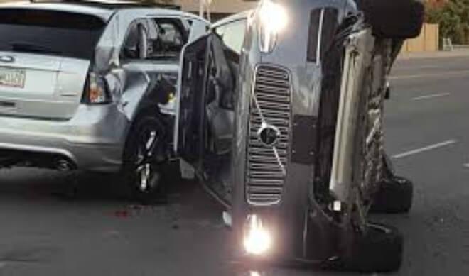 Uber saca de circulación autos autónomos tras incidente