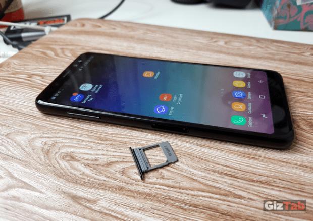 Samsung Galaxy A8, detalle de slot para SIM card1