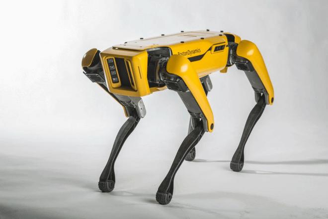 SpotMini, el ágil robot capaz de abrir puertas y subir escaleras