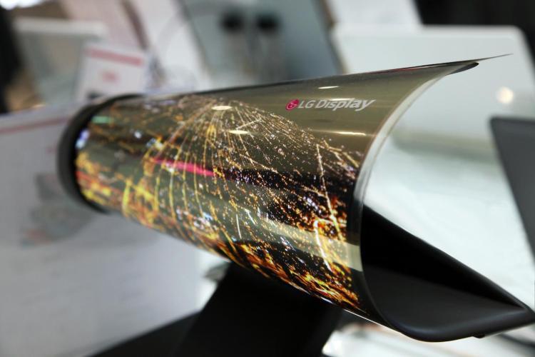 Las pantallas flexibles 8K de LG encantan a todos los asistentes