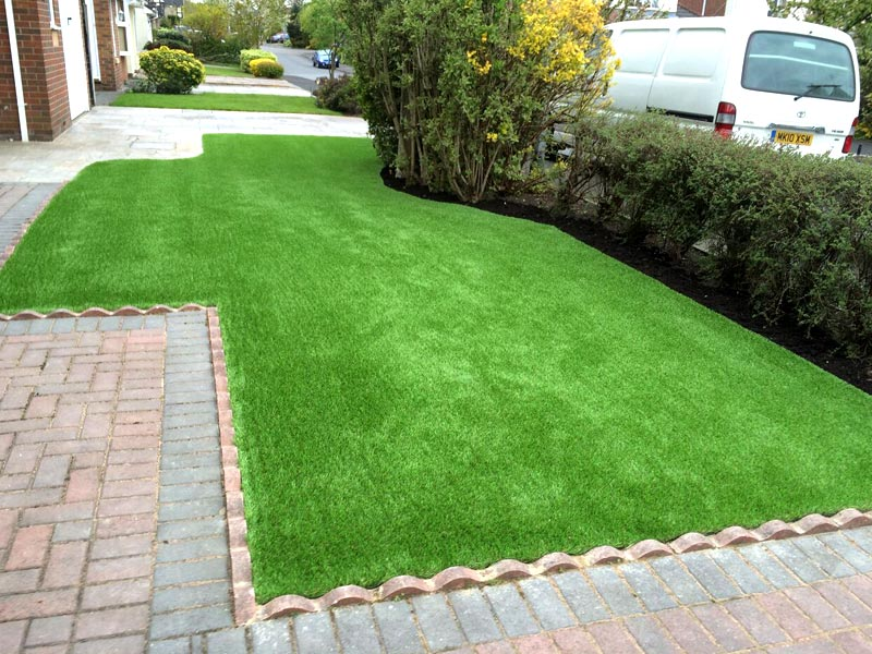 front-lawn-artificial-turf-worseley