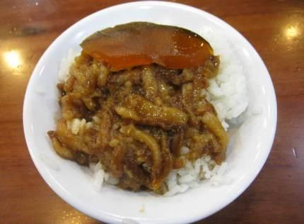 鬍鬚張魯肉飯忠孝新生店|台北美食︱美食王國