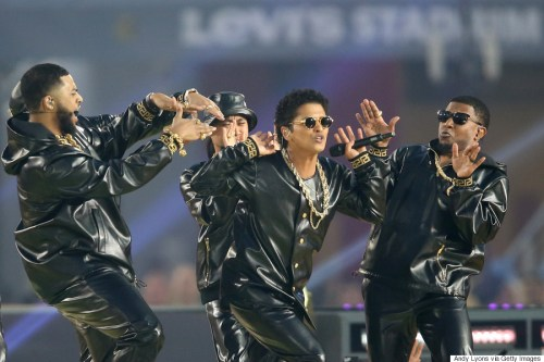 SANTA CLARA, CA - FEBRUARY 07: (Center) Bruno Mars performs during the Pepsi Super Bowl 50 Halftime Show at Levi's Stadium on February 7, 2016 in Santa Clara, California. (Photo by Andy Lyons/Getty Images)