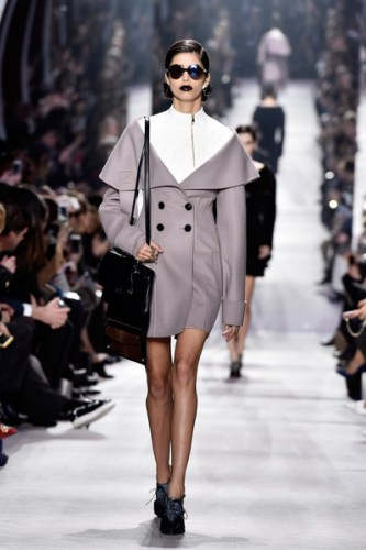 Christian+Dior+Runway+Paris+Fashion+Week+Womenswear+OYOI1pIDWSll