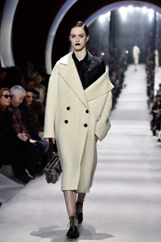 Christian+Dior+Runway+Paris+Fashion+Week+Womenswear+W1dwU44t7j-l
