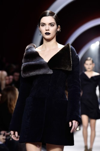 Christian+Dior+Runway+Paris+Fashion+Week+Womenswear+bMK1L-RbEJKl