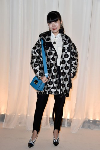 Lanvin+Front+Row+Paris+Fashion+Week+Womenswear+YB-cNGOENqQl