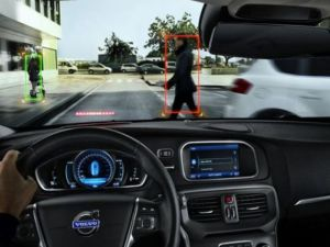 cea-mai-sigura-masina-din-lume-prezentata-la-detroit-volvo-v40-are-airbag-pentru-pietoni-si-senzori-care_size9