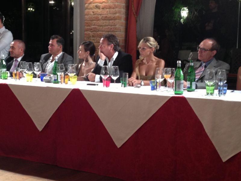 Cristina al tavolo giuria Ballotta