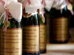 Bottiglie-di-vino-come-bomboniera_o_gdo